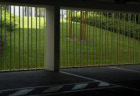Parking souterrain ouvert sur les jardins