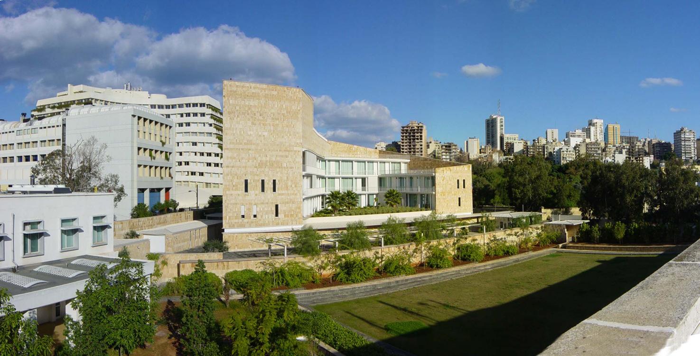Les jardins de l ambassade de france et la place publique for Architecte urbaniste de l etat