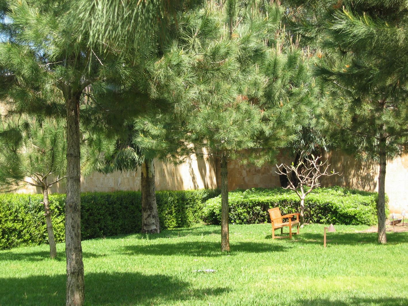 les jardins de l ambassade de france et la place publique atl architectes urbanistes paysagistes. Black Bedroom Furniture Sets. Home Design Ideas